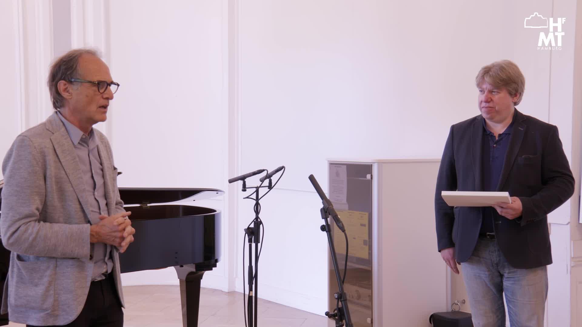Thumbnail - BEETHOVEN MULTIDIMENSIONAL 25 Studierende präsentieren ihre Veröffentlichung über ausgewählte Klaviersonaten im Kontext des Gesamtwerkes