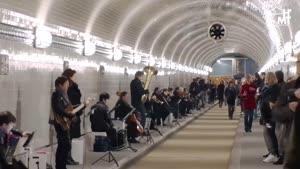 Thumbnail - SYMPHONIE IM ST. PAULI ELBTUNNEL EIN MULTIMEDIALES KONZERT - Tag 2 / Konzert 2