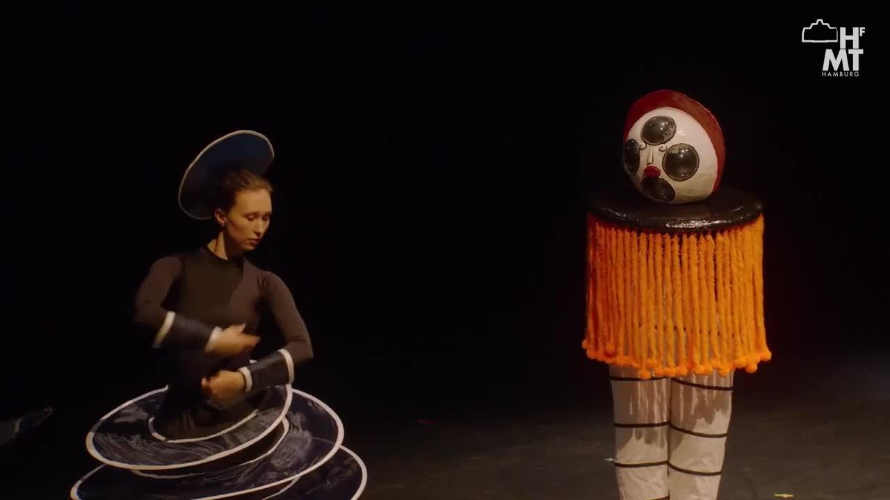 Thumbnail - BAUHAUS RELOADED - tänzerisch-musikalische Show zum Abschluss des Bauhausjahres